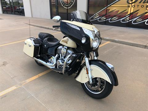2019 Indian Chieftain® Classic ABS in Norman, Oklahoma - Photo 2