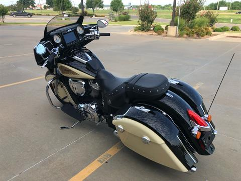 2019 Indian Chieftain® Classic ABS in Norman, Oklahoma - Photo 6