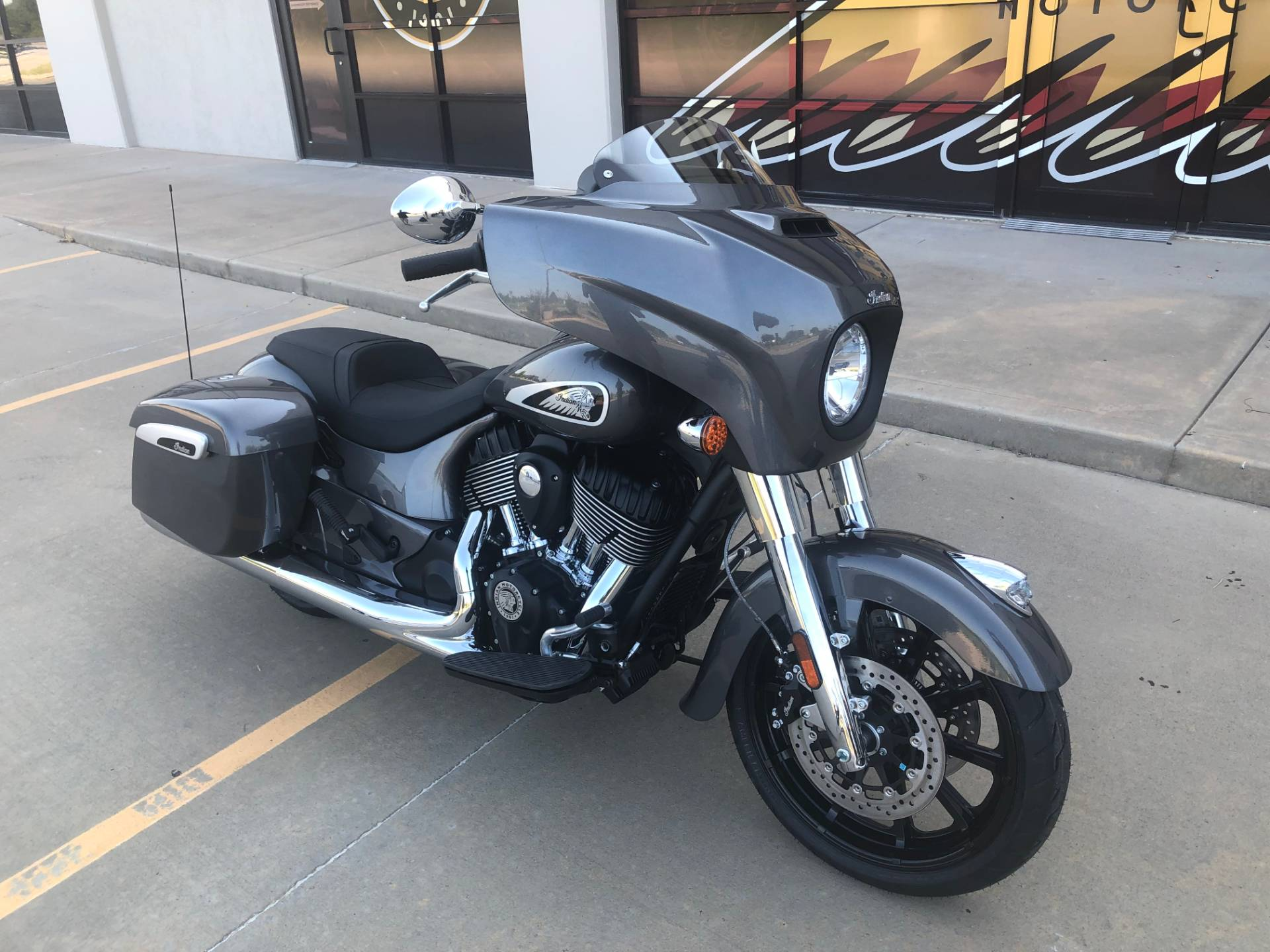 2019 Indian Chieftain® ABS in Norman, Oklahoma - Photo 2