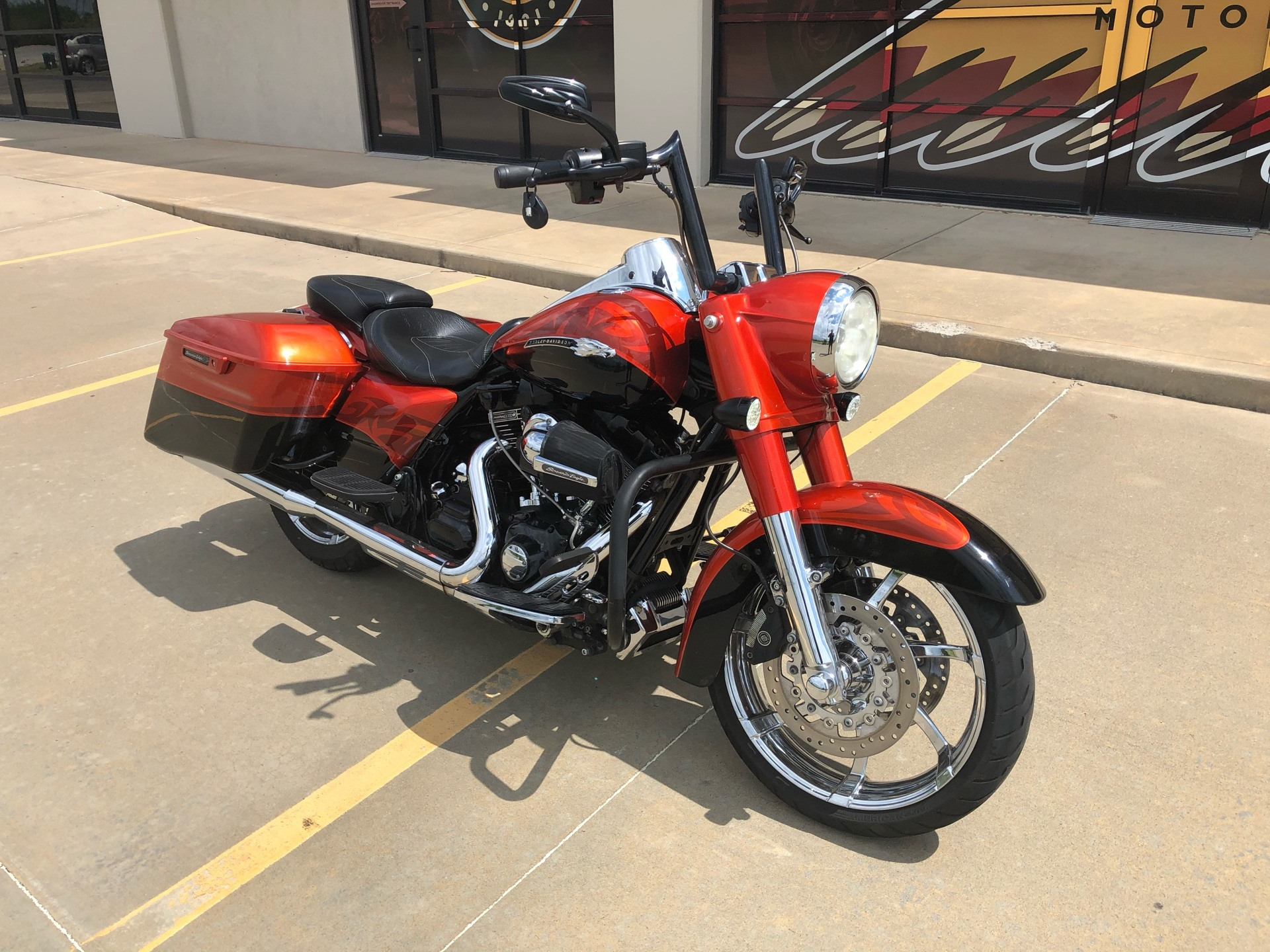 2014 Harley-Davidson CVO™ Road King® in Norman, Oklahoma - Photo 2