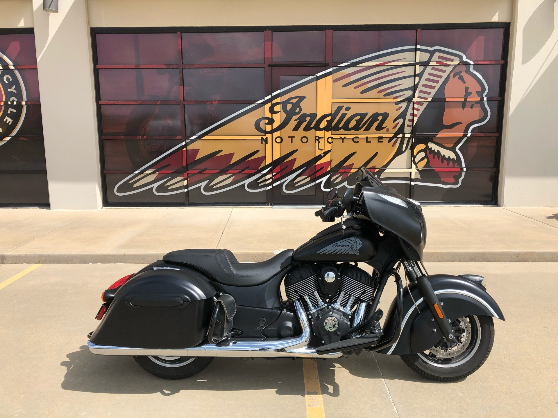 2017 Indian Chieftain Dark Horse® in Norman, Oklahoma - Photo 1