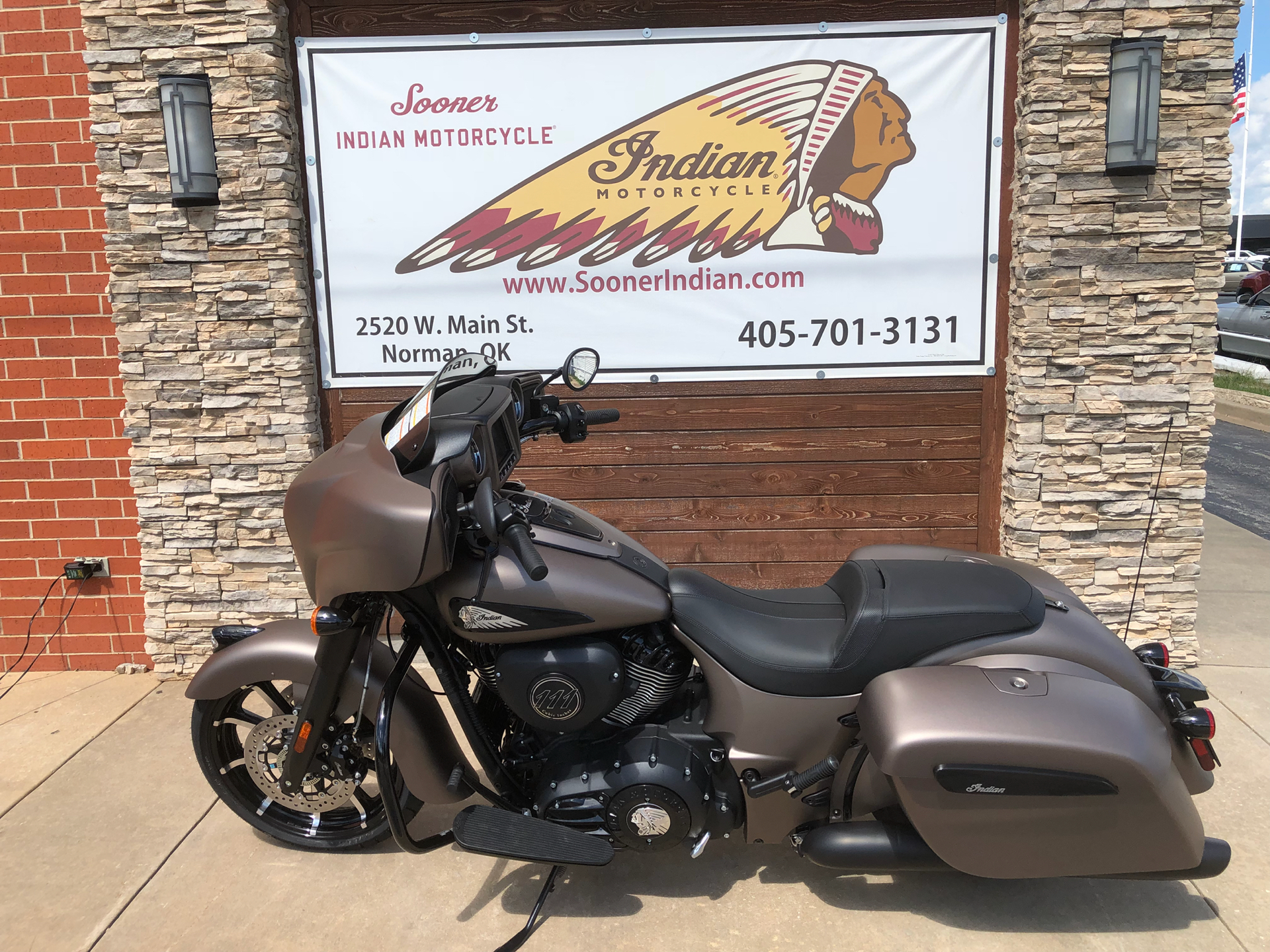 2019 Indian Chieftain Dark Horse® ABS in Norman, Oklahoma