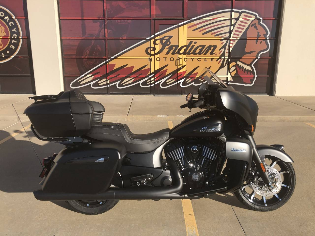 2021 Indian Roadmaster® Dark Horse® in Norman, Oklahoma - Photo 1