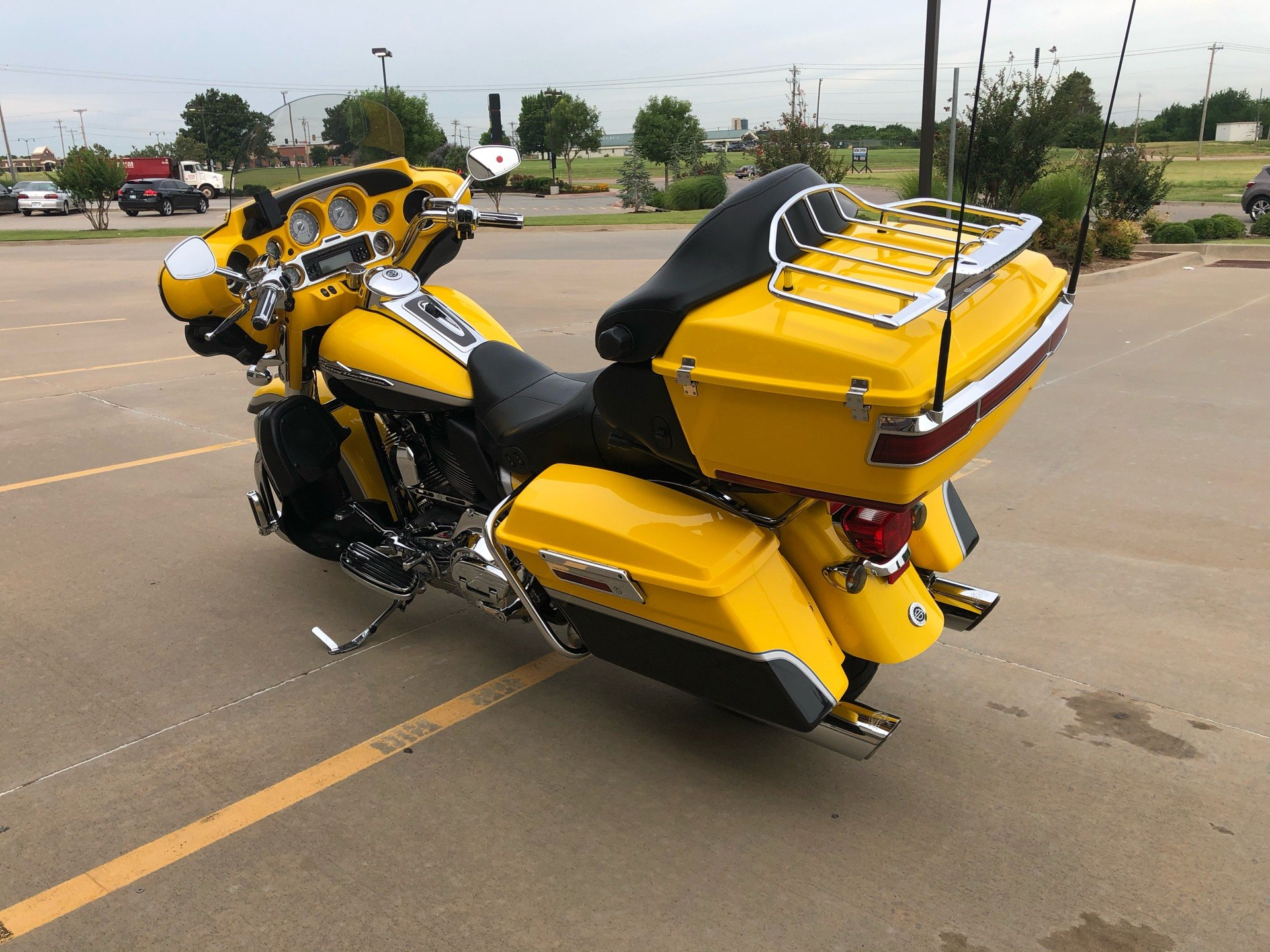 2012 Harley-Davidson CVO™ Ultra Classic® Electra Glide® in Norman, Oklahoma - Photo 6