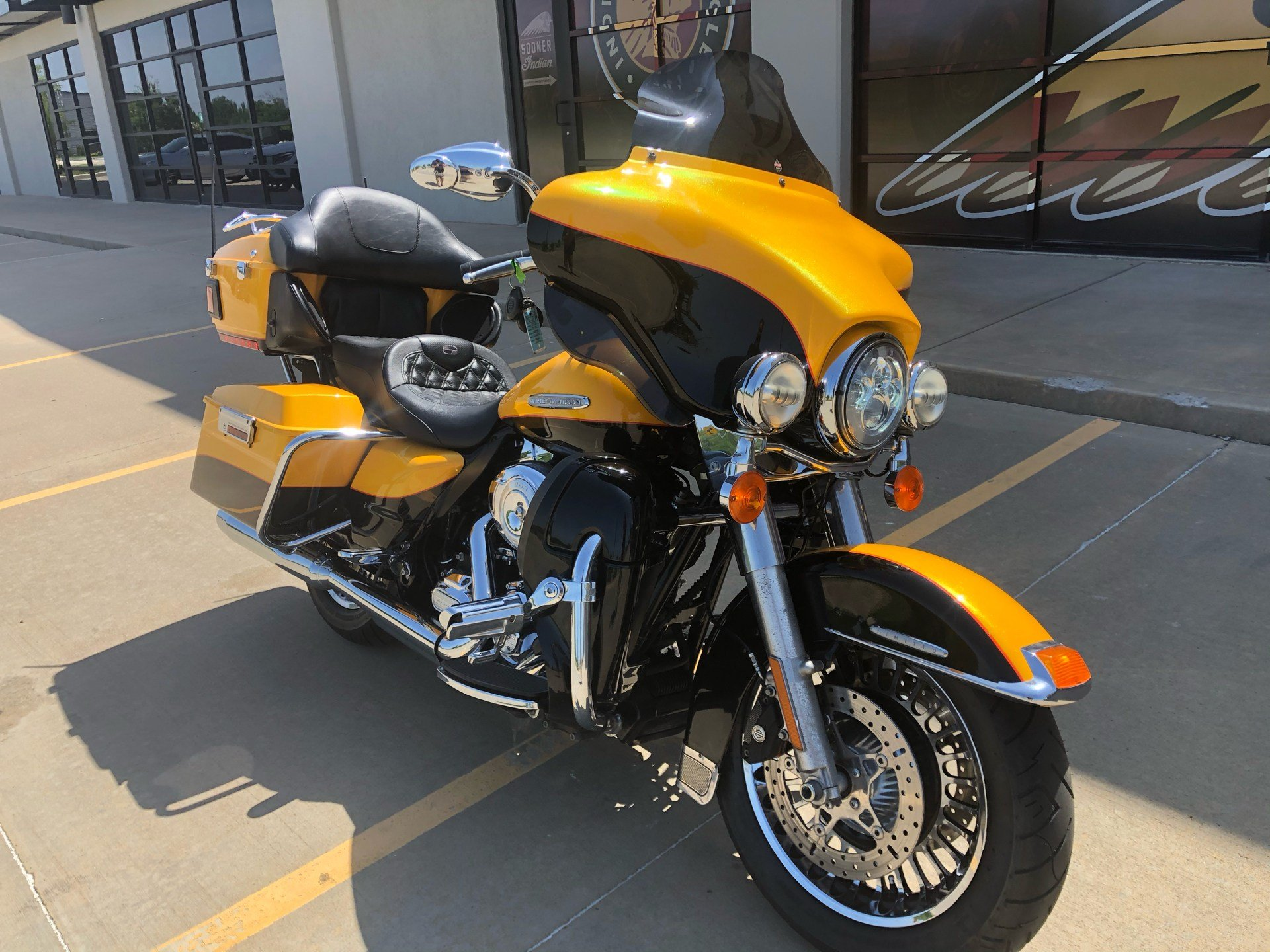 2013 Harley-Davidson Electra Glide® Ultra Limited in Norman, Oklahoma - Photo 2