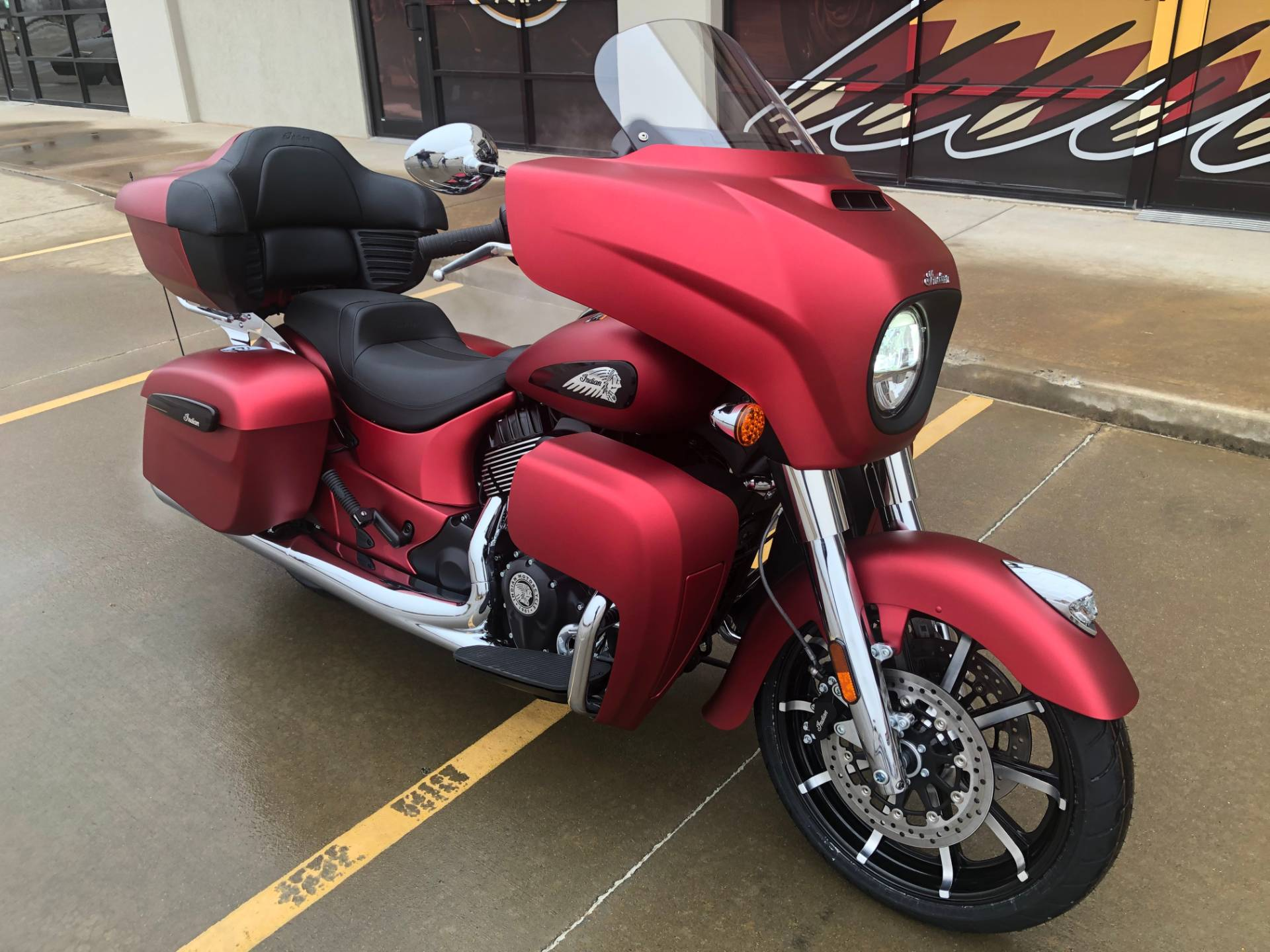 2020 Indian Roadmaster® Dark Horse® in Norman, Oklahoma - Photo 2