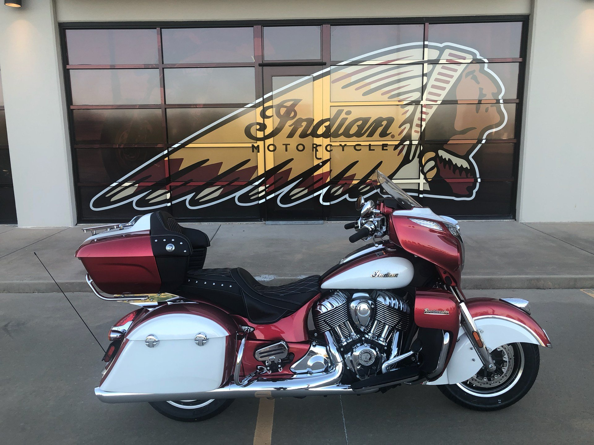 2020 Indian Roadmaster® Icon Series in Norman, Oklahoma - Photo 1