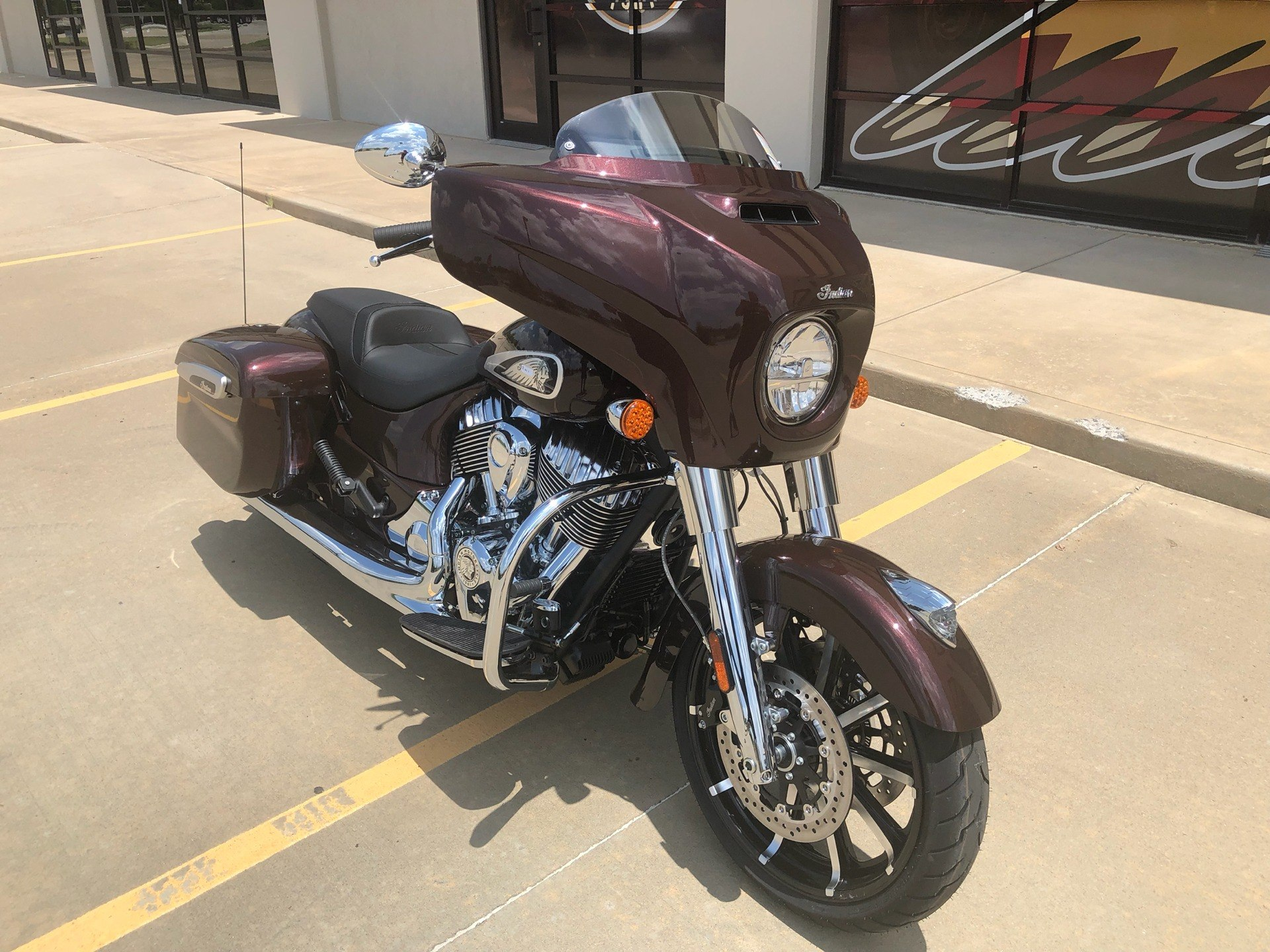2019 Indian Chieftain® Limited ABS in Norman, Oklahoma - Photo 2