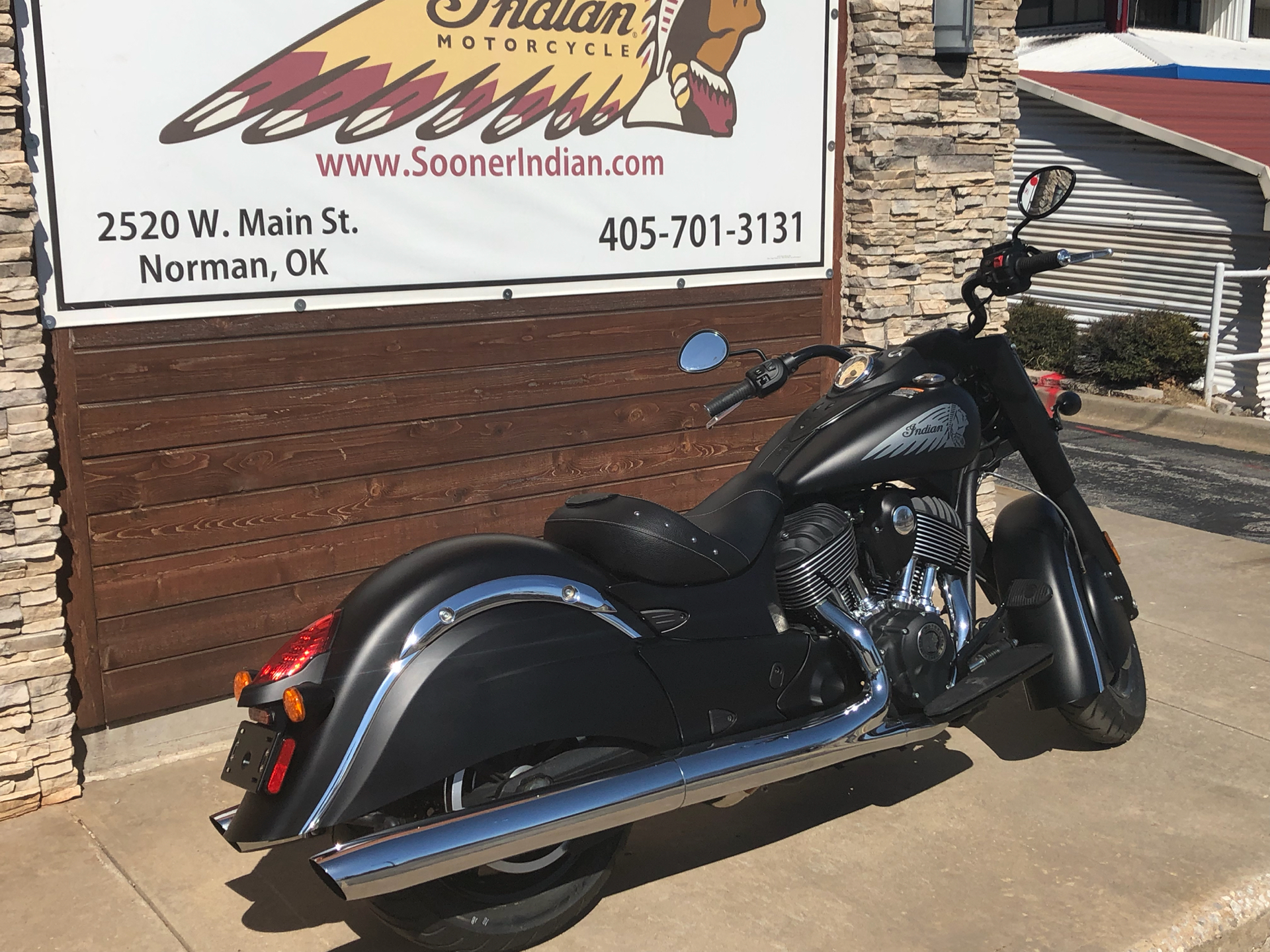 2017 Indian Chief Dark Horse® in Norman, Oklahoma