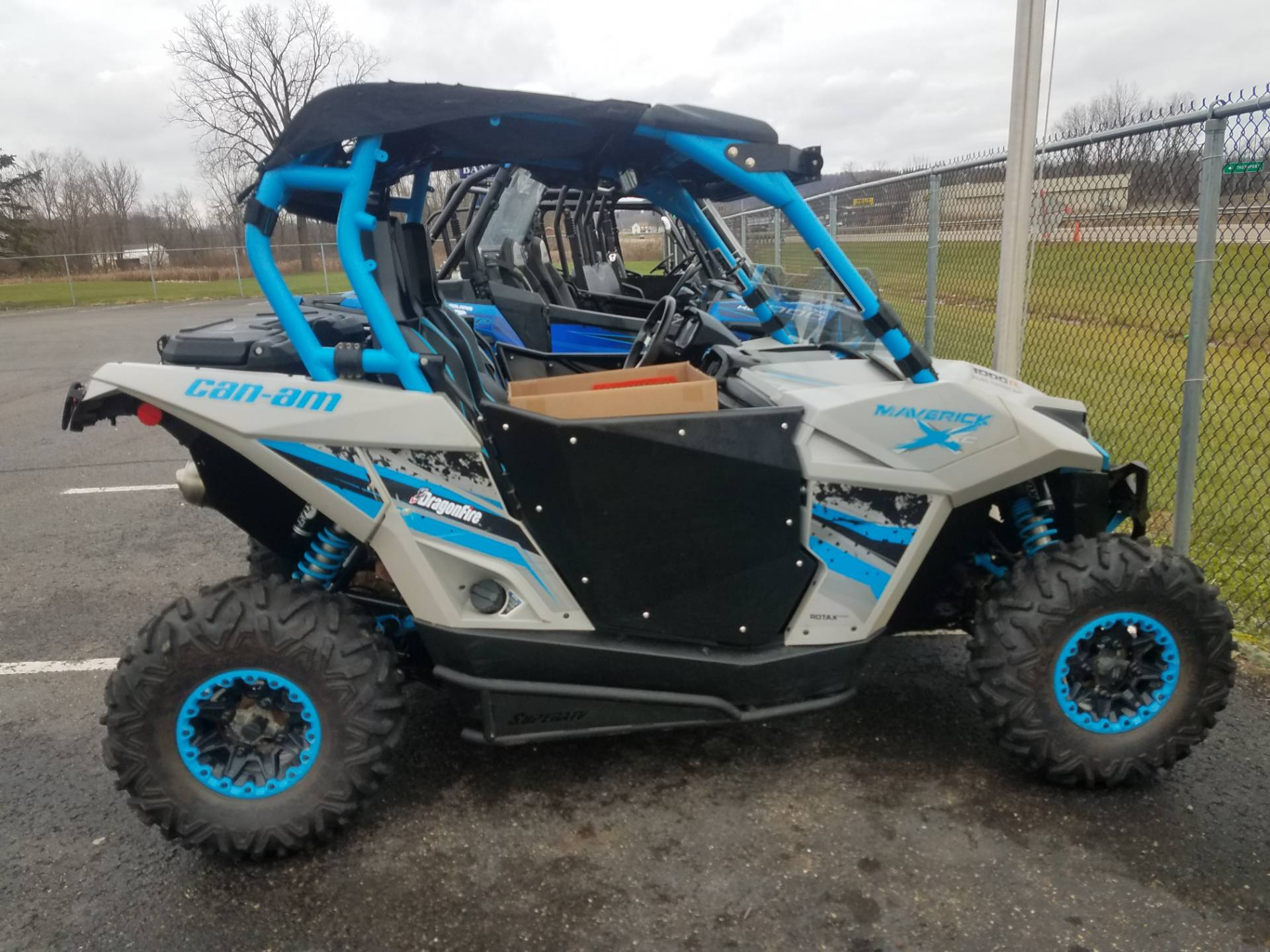 2016 Can-Am Maverick 1000R in Thornville, Ohio