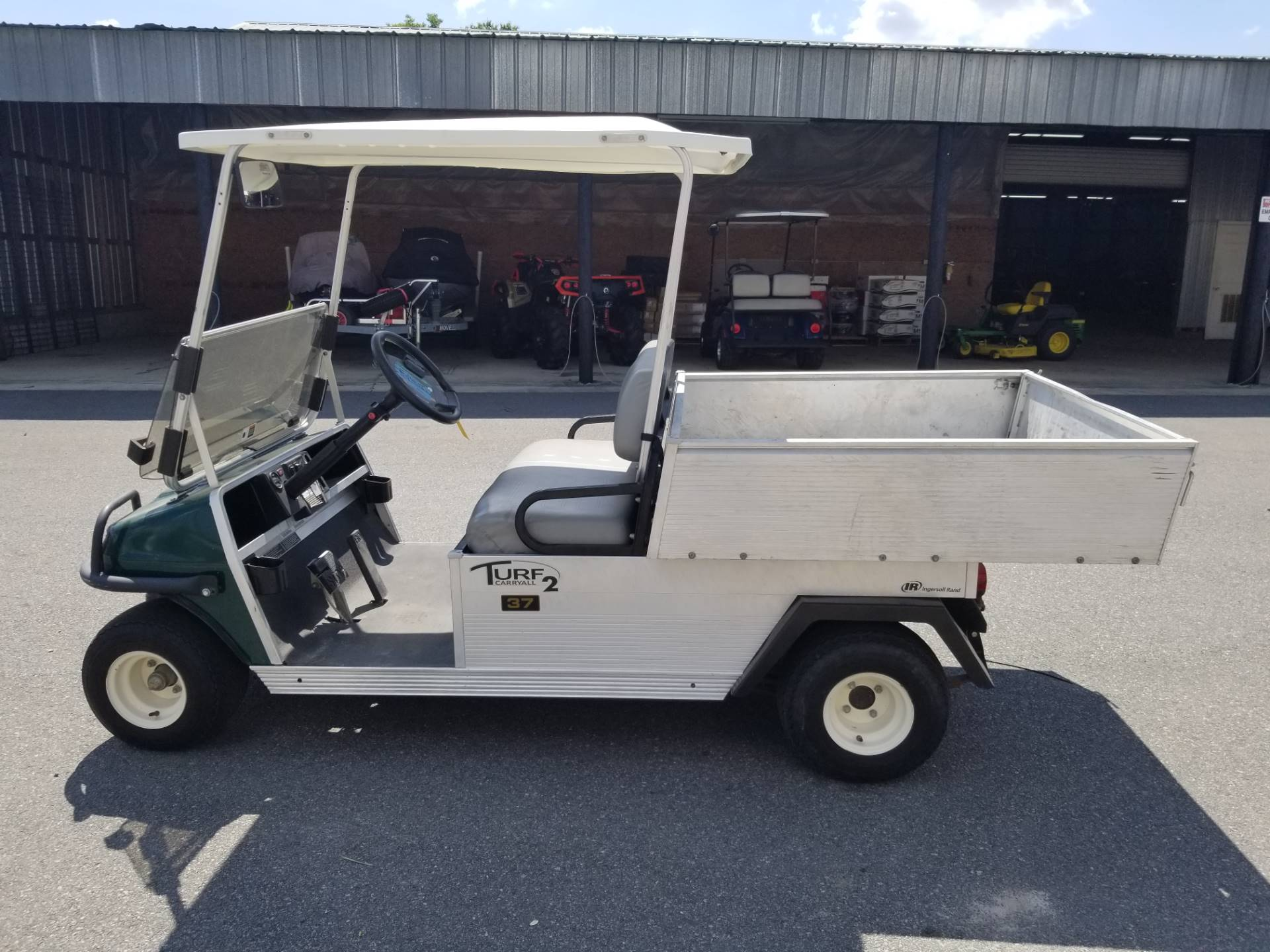 2013 Club Car Turf 2 Gas in Douglas, Georgia - Photo 2