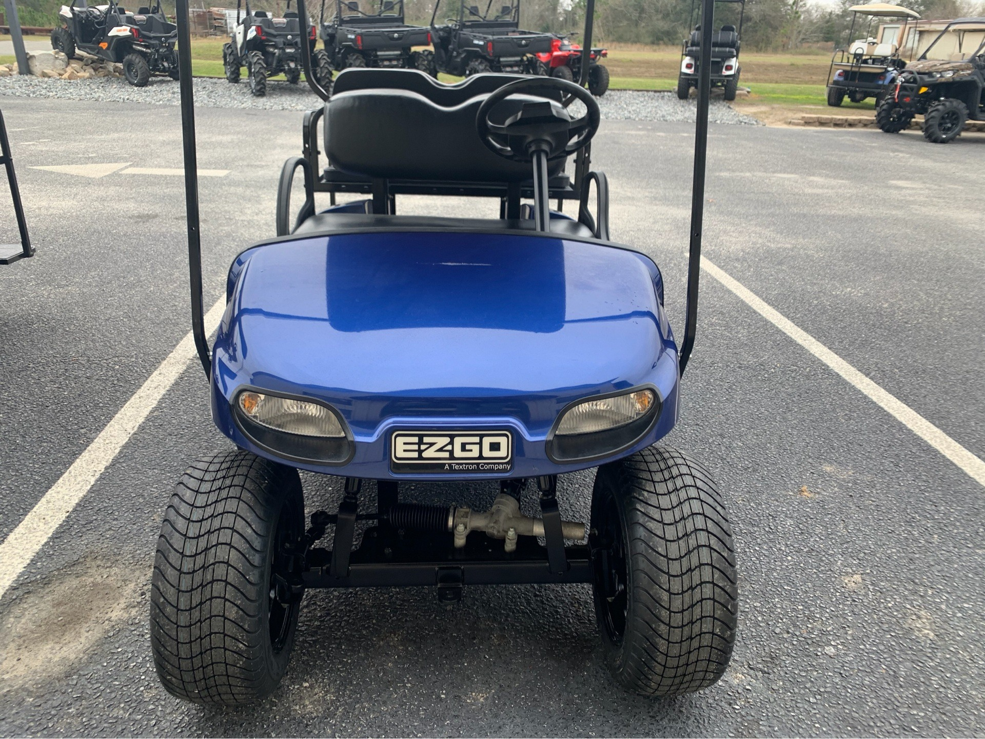 2018 E-Z-GO TXT Valor Gasoline in Douglas, Georgia - Photo 2