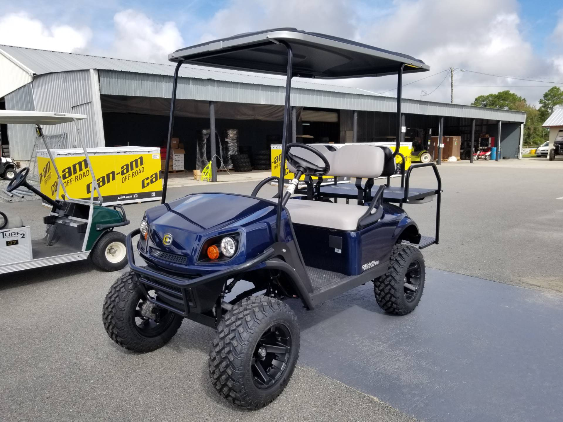 2021 Cushman Shuttle 2+2 G-EFI in Douglas, Georgia - Photo 2