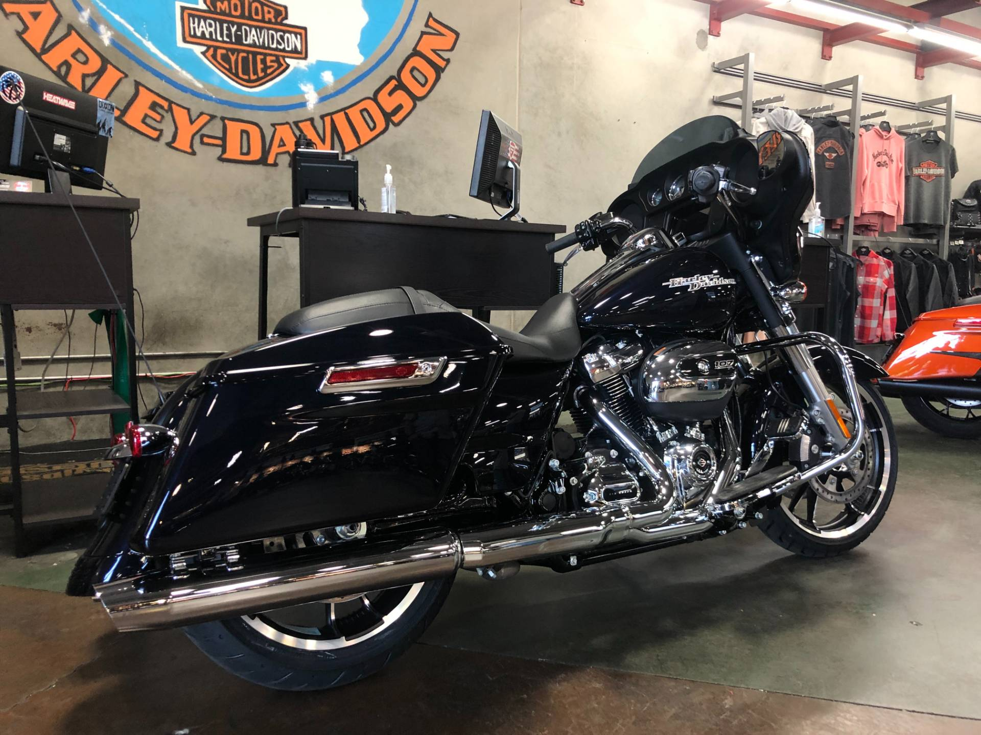 2020 Harley-Davidson Street Glide® in San Jose, California - Photo 5