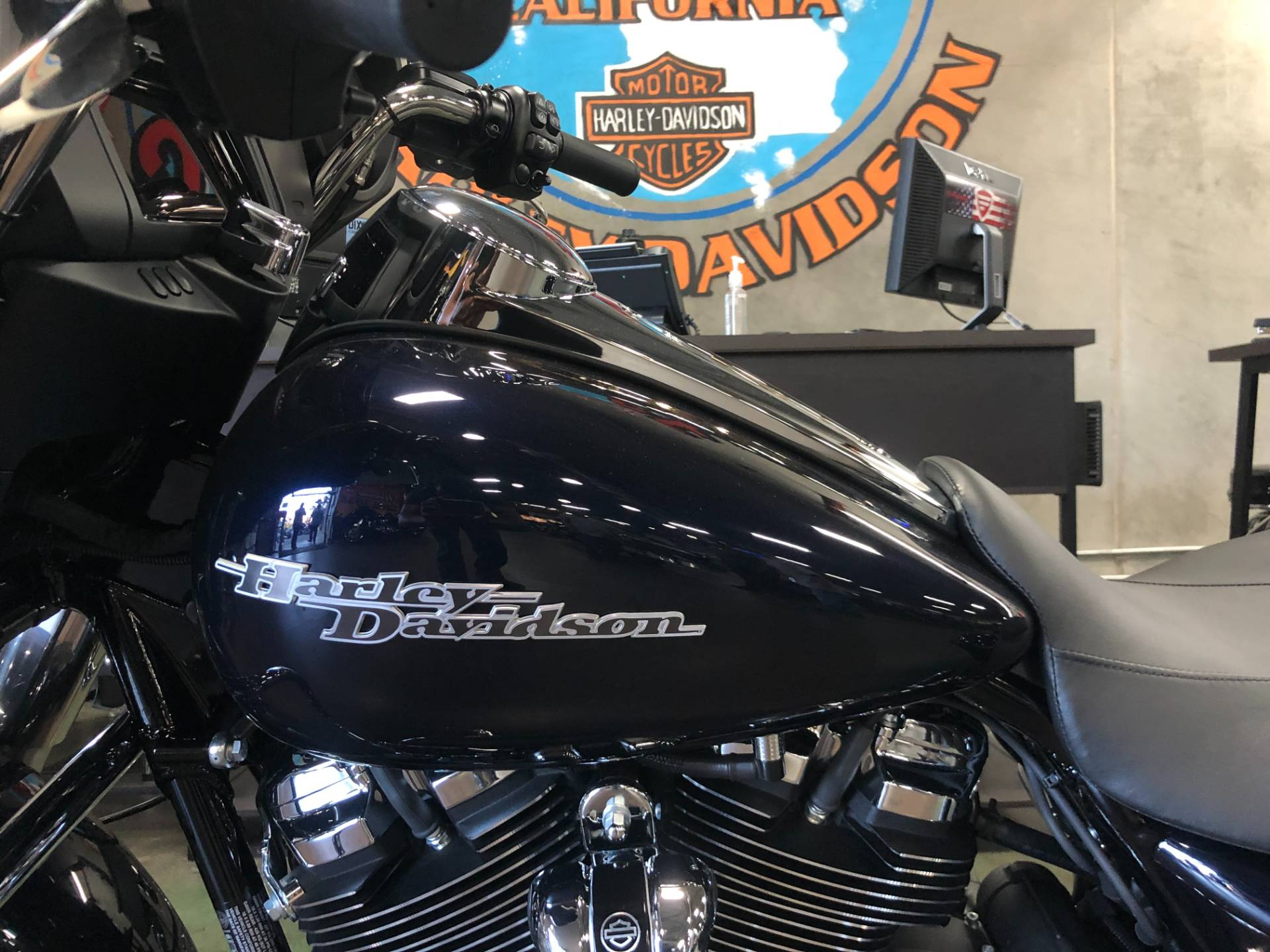 2020 Harley-Davidson Street Glide® in San Jose, California - Photo 7
