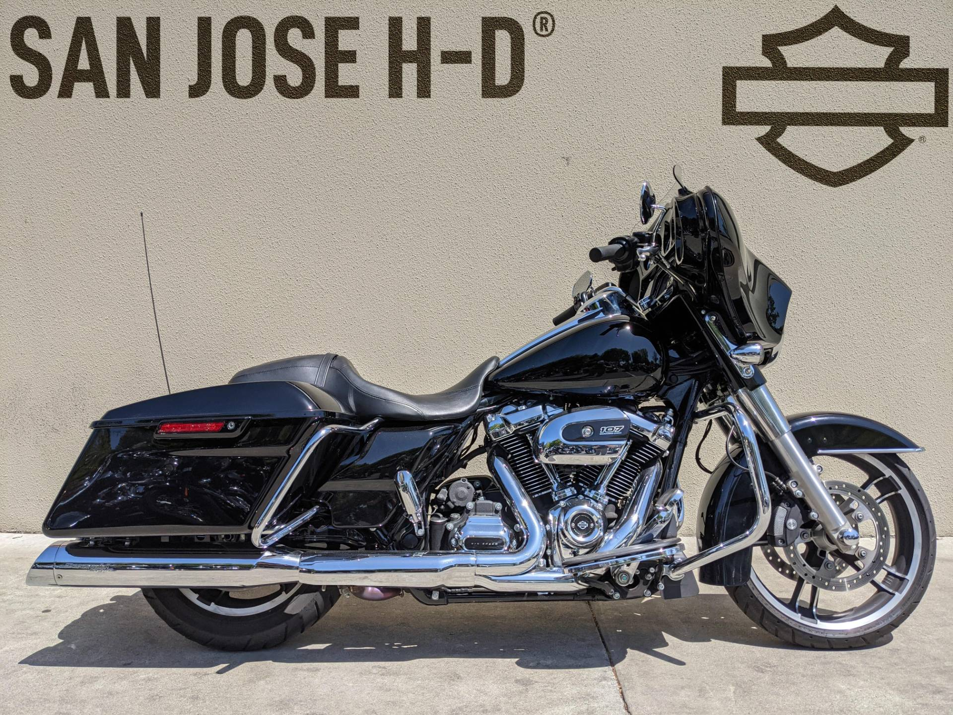 2017 Harley-Davidson Street Glide® Special in San Jose, California - Photo 1