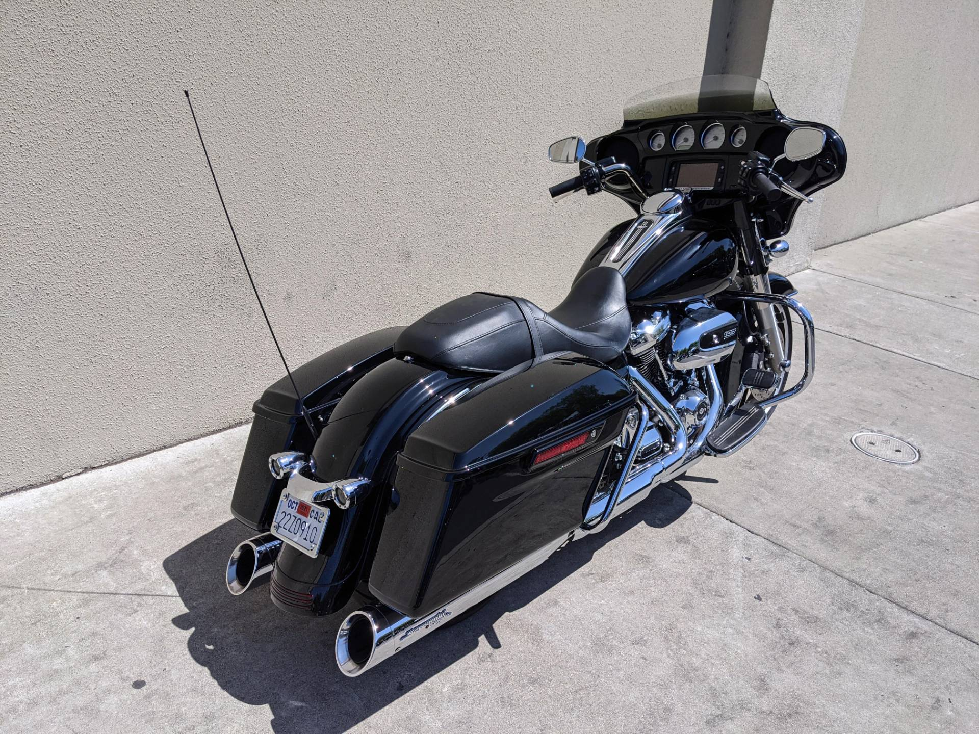 2017 Harley-Davidson Street Glide® Special in San Jose, California - Photo 3