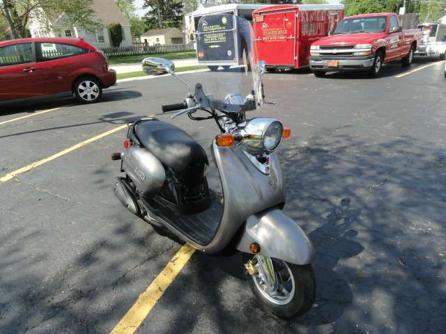 2009 Yamaha Vino 125 in Arlington Heights, Illinois