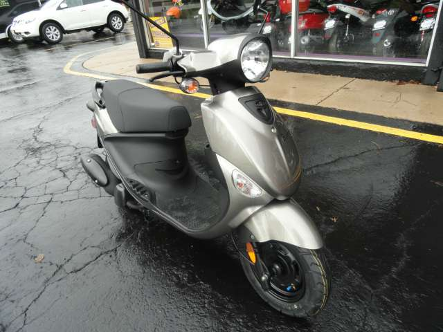 2015 Genuine Scooters Buddy 125 in Arlington Heights, Illinois