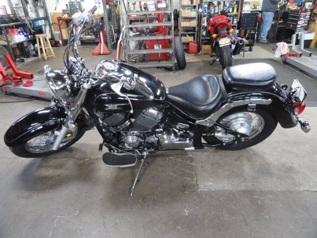 2006 Yamaha V Star 650 in Arlington Heights, Illinois