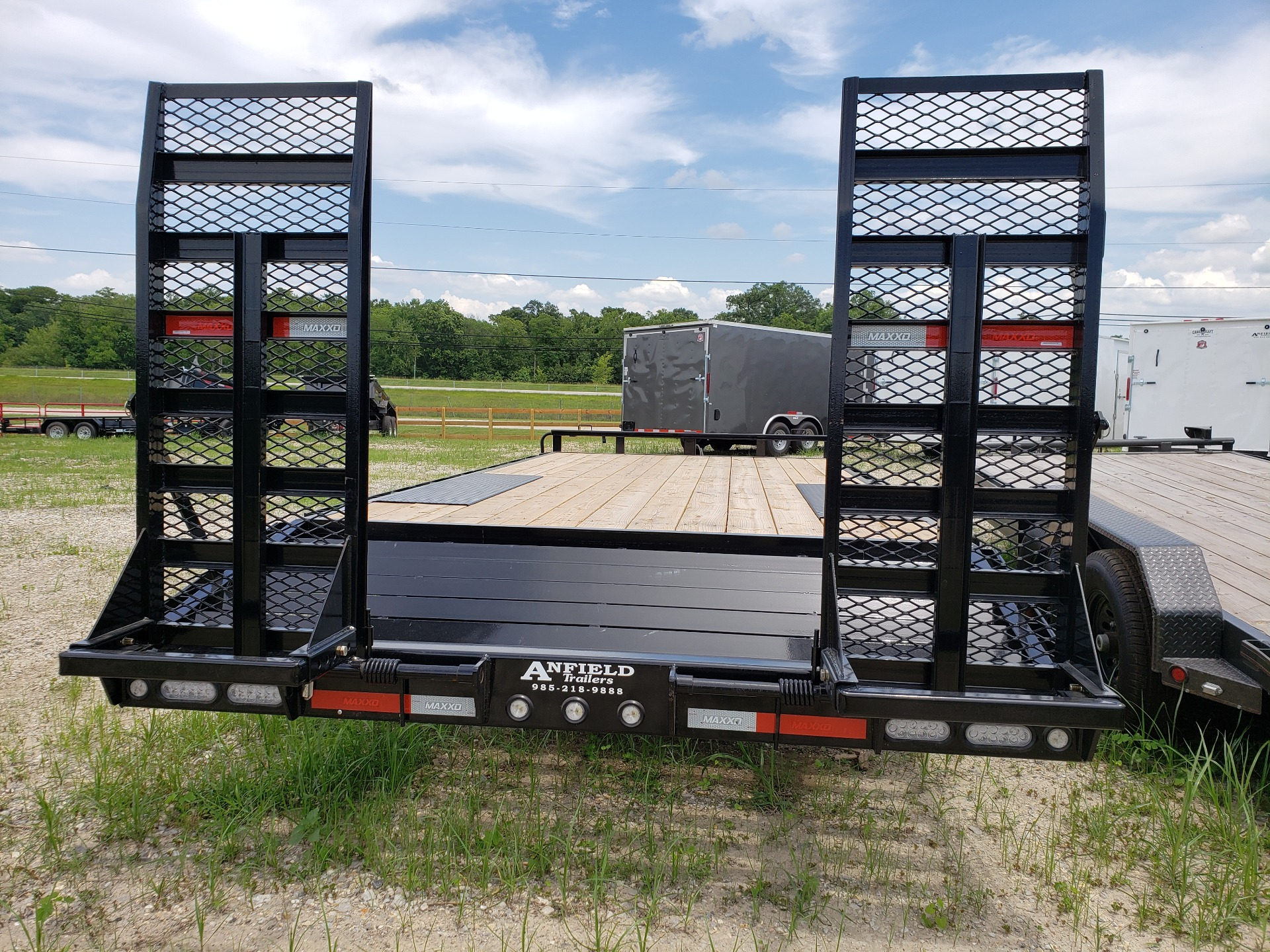 "2019 MaxxD Trailers 20' X 102"" - 14K I-Beam Deckover in Pearl River, Louisiana - Photo 4"