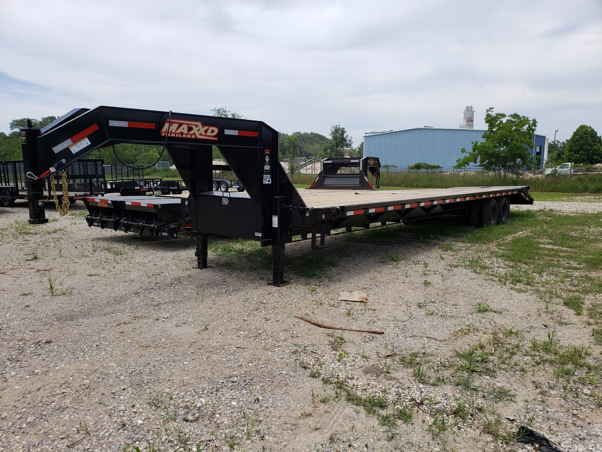 2019 MaxxD Trailers 102 x 40 Maxxd Flatbed Tandem Dual 26K in Pearl River, Louisiana - Photo 2