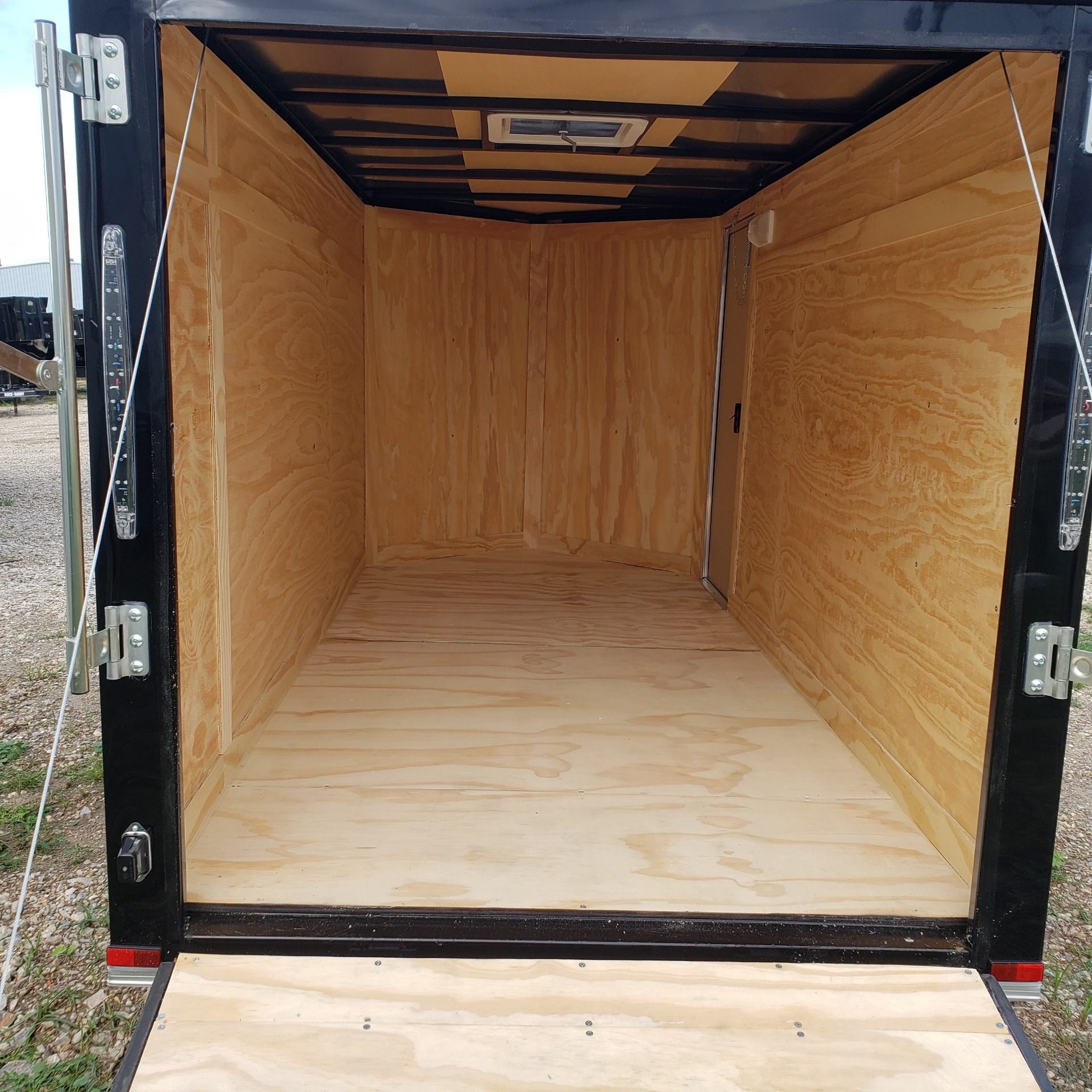 2020 Spartan Trailers 5 X 10 SPARTAN ENCLOSED TRAILER in Pearl River, Louisiana - Photo 5