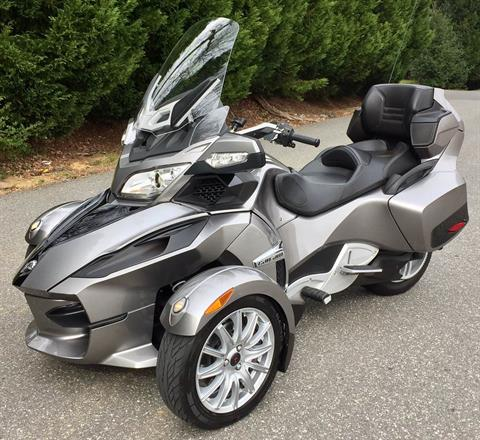 2013 Can-Am Spyder® RT SE5 in Lowell, North Carolina