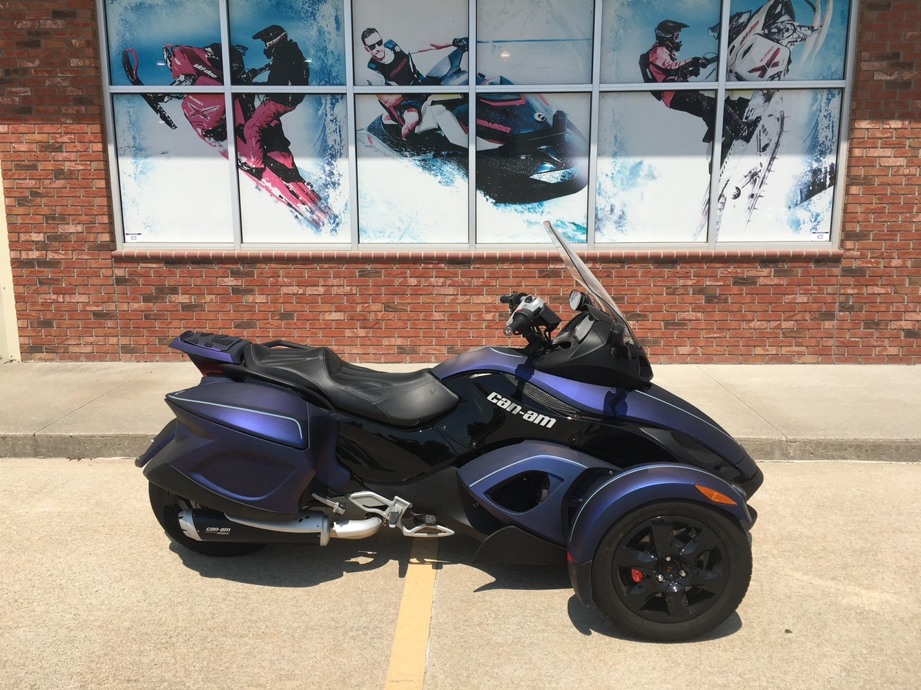 2009 Can-Am Spyder™ GS Roadster with SE5 Transmission (semi auto) in Omaha, Nebraska - Photo 1