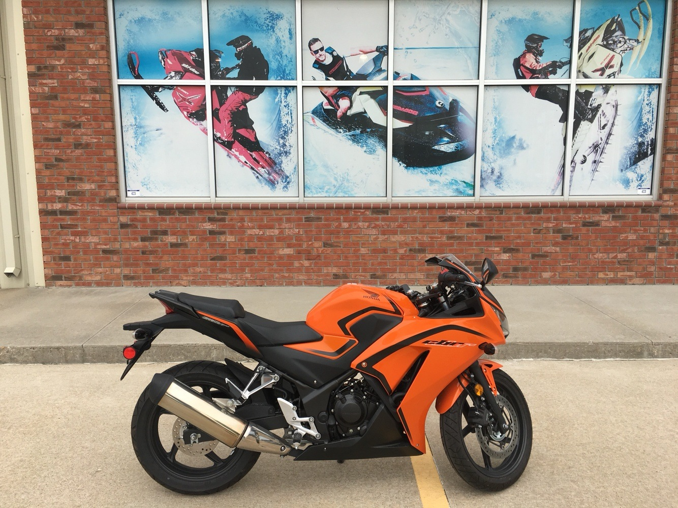 2016 Honda CBR300R ABS in Omaha, Nebraska - Photo 1