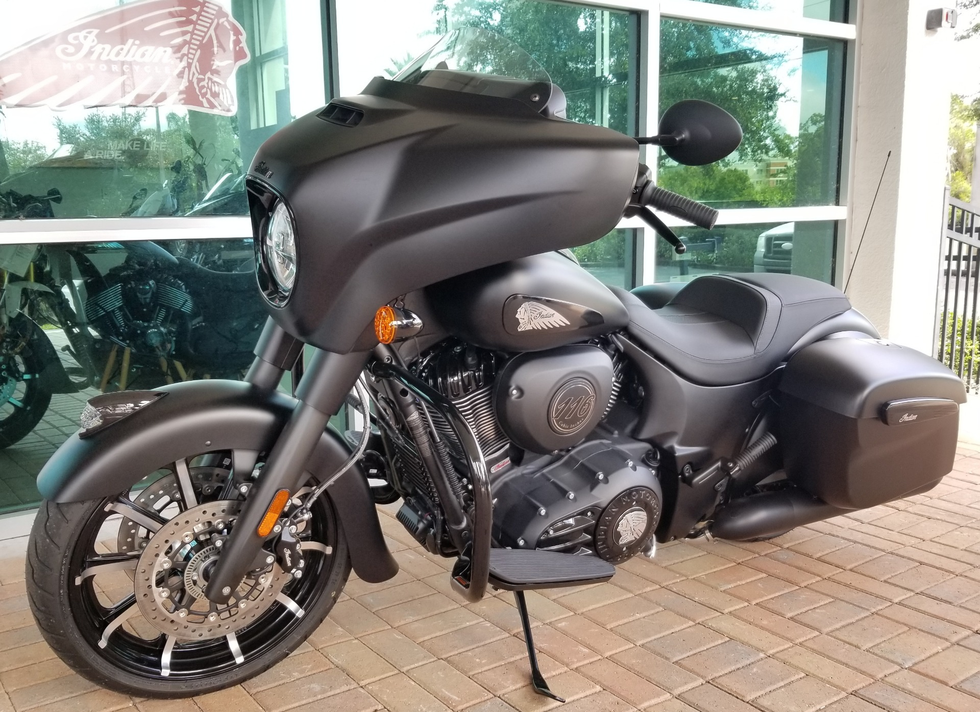 2020 Indian Chieftain® Dark Horse® in Palm Bay, Florida - Photo 2