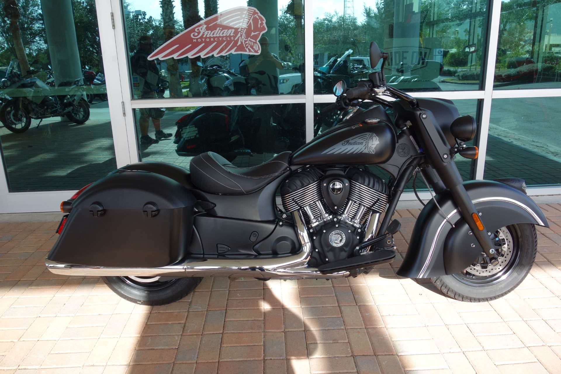 2018 Indian Chief Dark Horse® ABS in Palm Bay, Florida