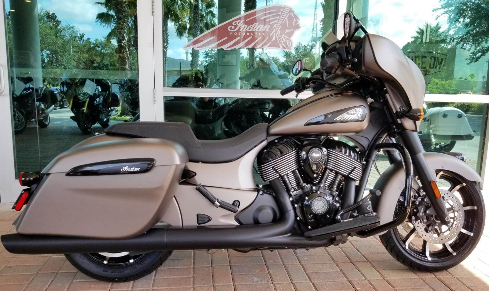 2019 Indian Chieftain Dark Horse® ABS in Palm Bay, Florida - Photo 2