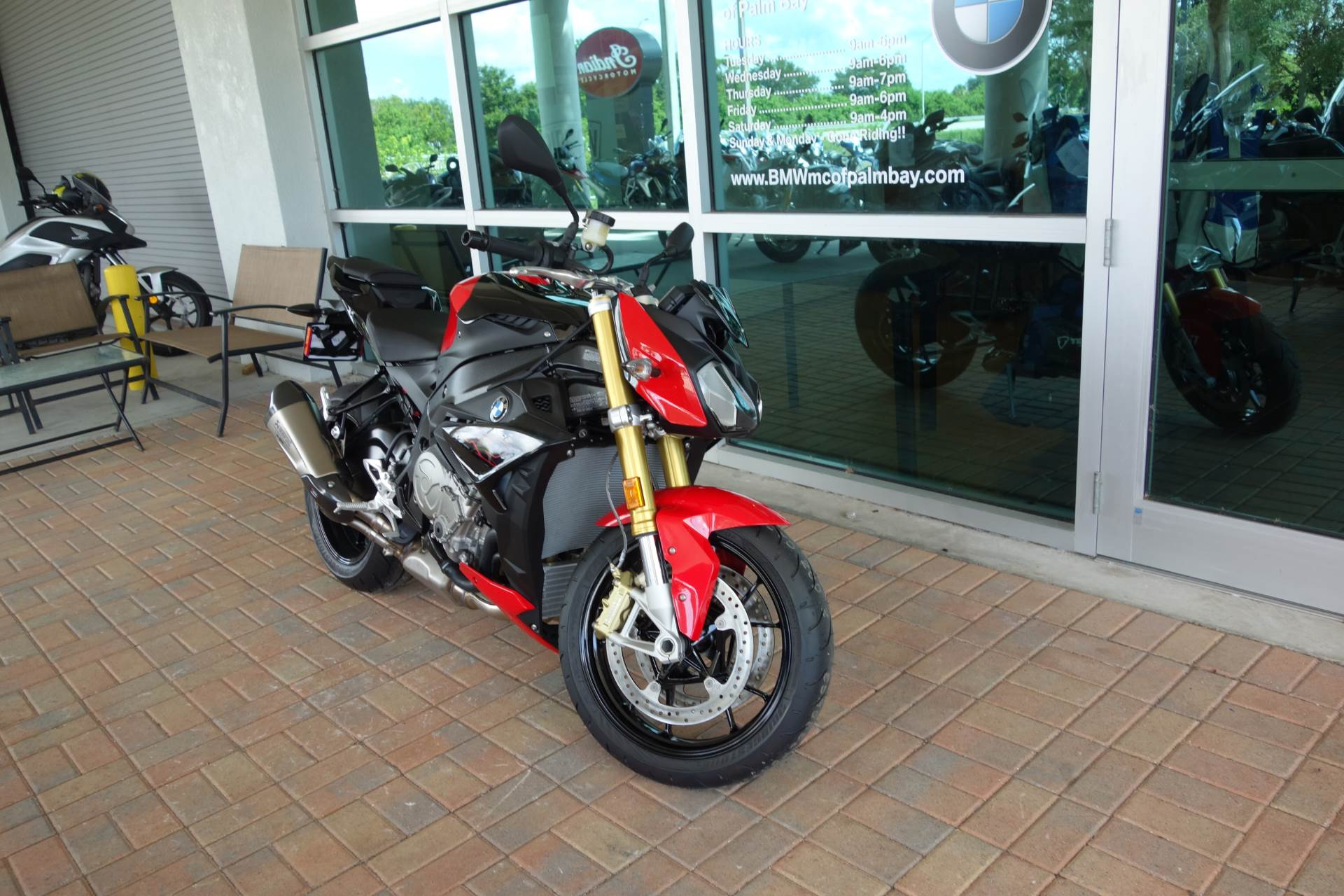 2019 BMW S 1000 R in Palm Bay, Florida - Photo 8