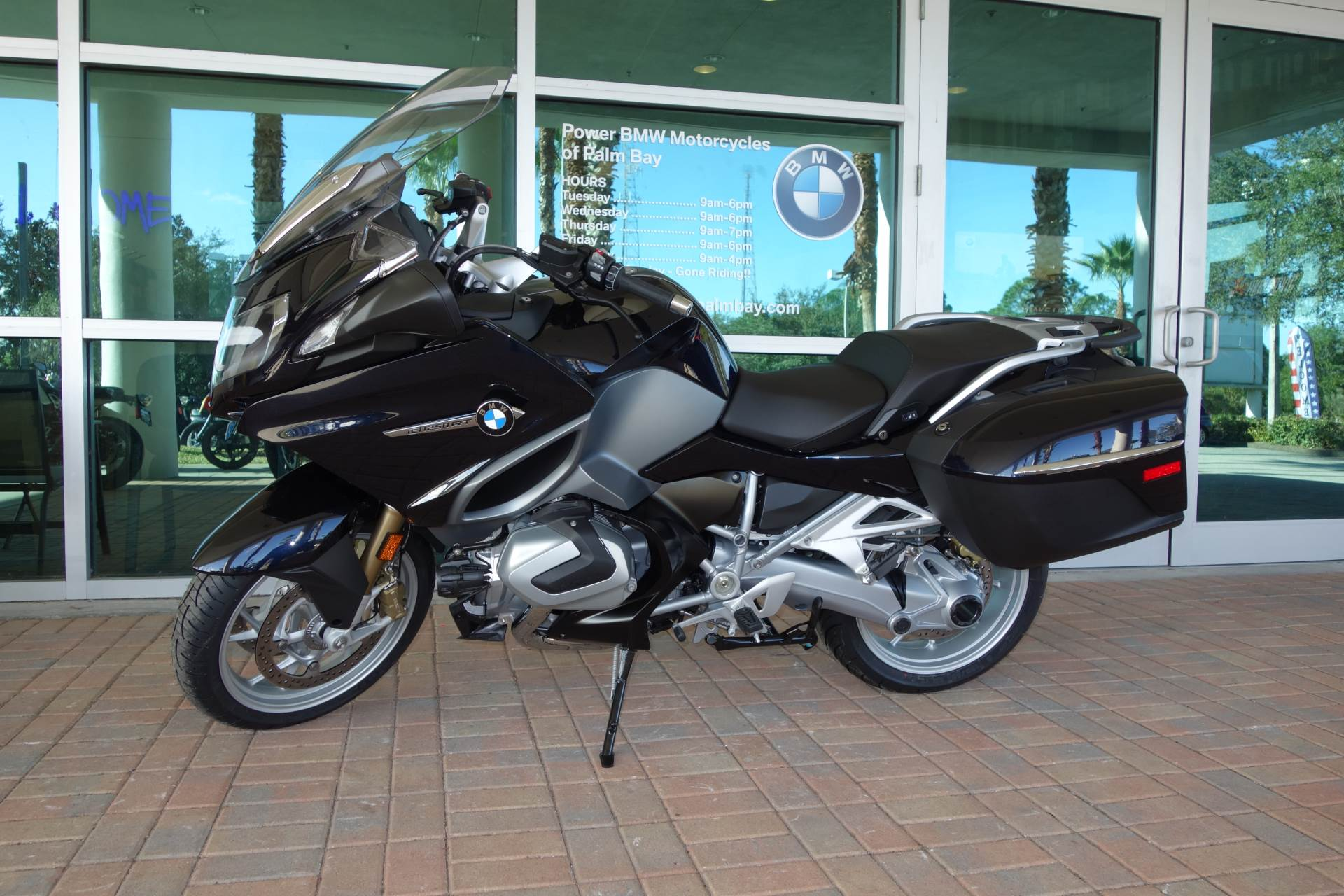 a486fd8abf56 New 2019 BMW R 1250 RT Carbon Black Metallic