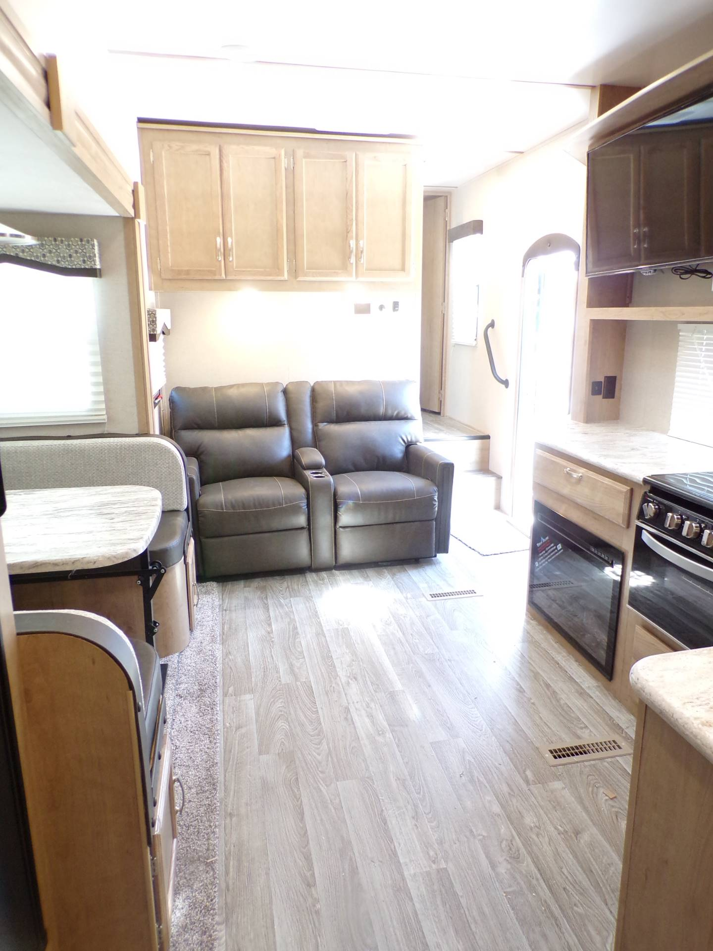 2020 Winnebago MP29RBH in Wolfforth, Texas - Photo 3