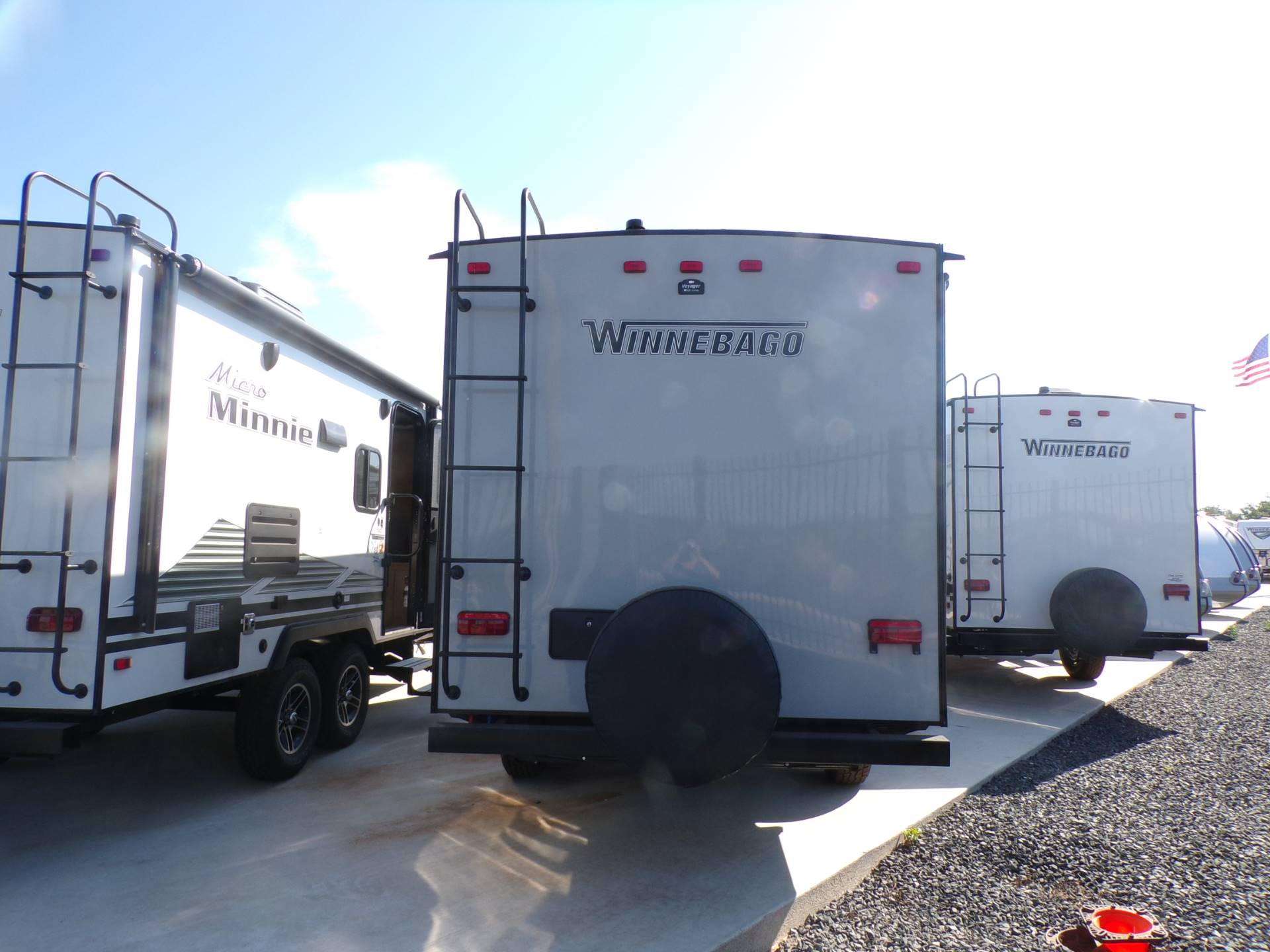 2020 Winnebago MM1800BH in Wolfforth, Texas - Photo 2