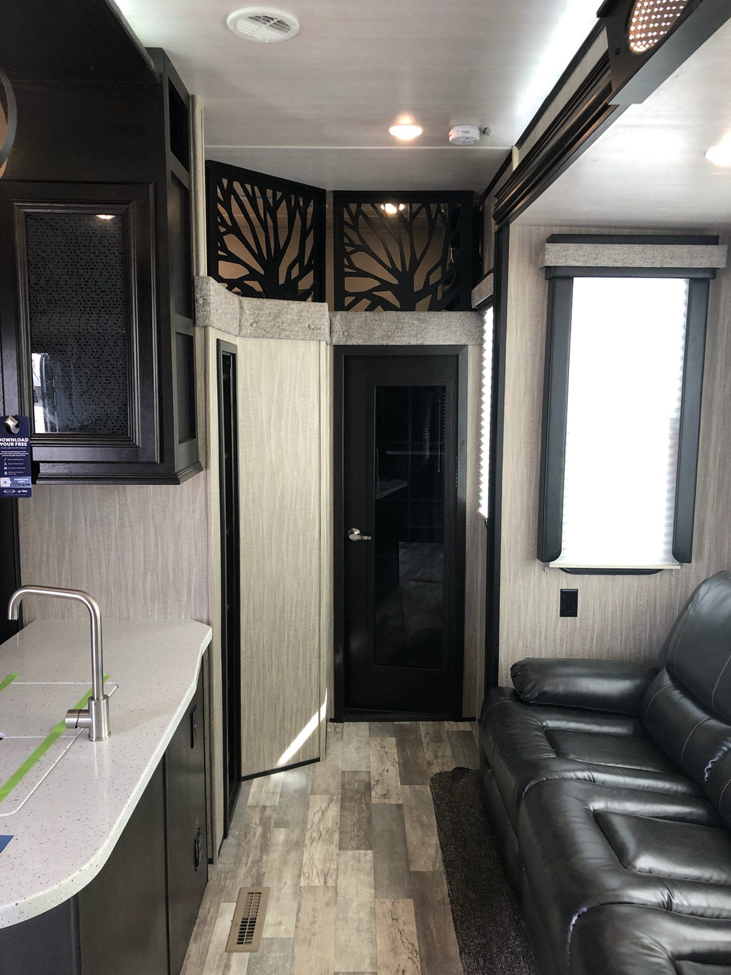 2019 Heartland Rvs RW 413 in Wolfforth, Texas - Photo 4