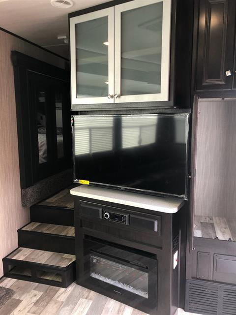 2019 Heartland Rvs RW 413 in Wolfforth, Texas - Photo 7