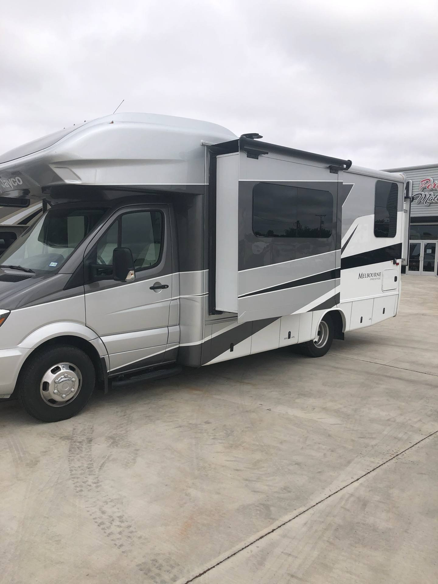 2019 Jayco Melbourne Prestige 24KP in Wolfforth, Texas - Photo 1