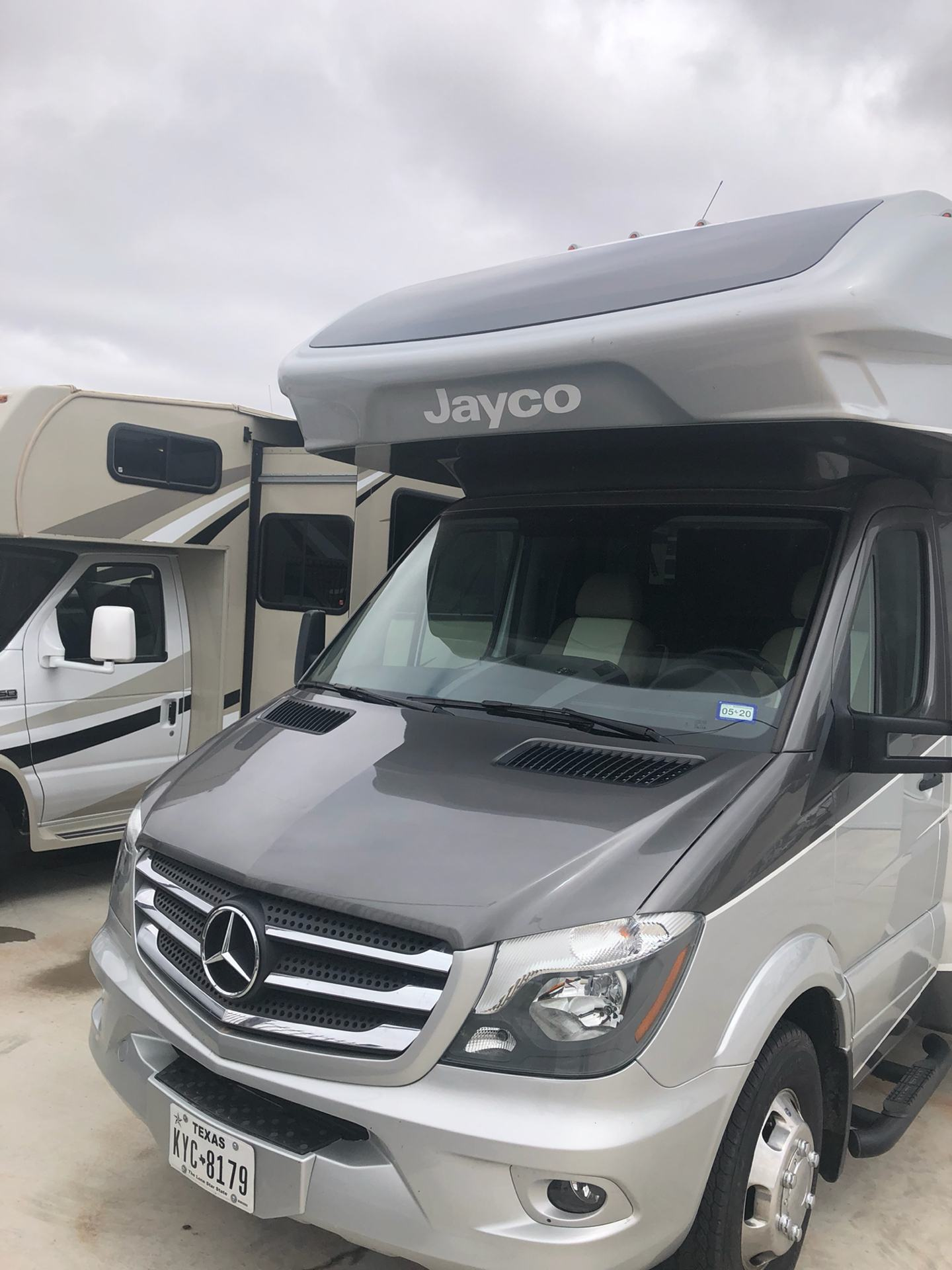 2019 Jayco Melbourne Prestige 24KP in Wolfforth, Texas - Photo 2