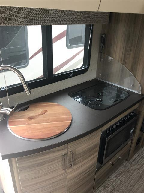 2019 Jayco Melbourne Prestige 24KP in Wolfforth, Texas - Photo 5