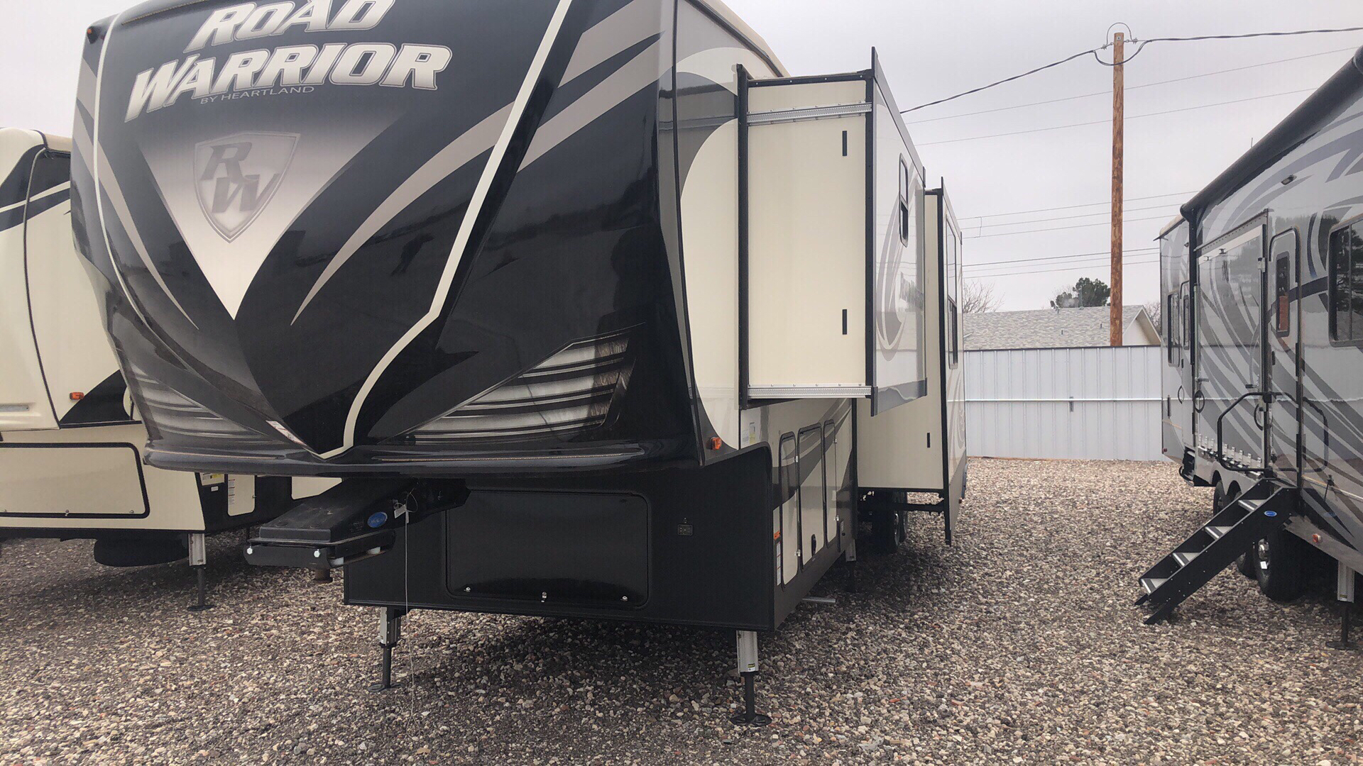 2019 Heartland Rvs RW 387 in Wolfforth, Texas - Photo 1