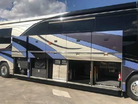 2007 Prevost Featherlite in Wolfforth, Texas - Photo 9