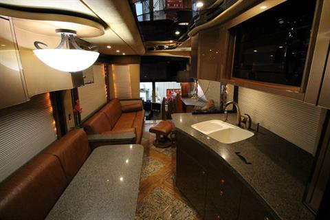 2007 Prevost Featherlite in Wolfforth, Texas - Photo 25