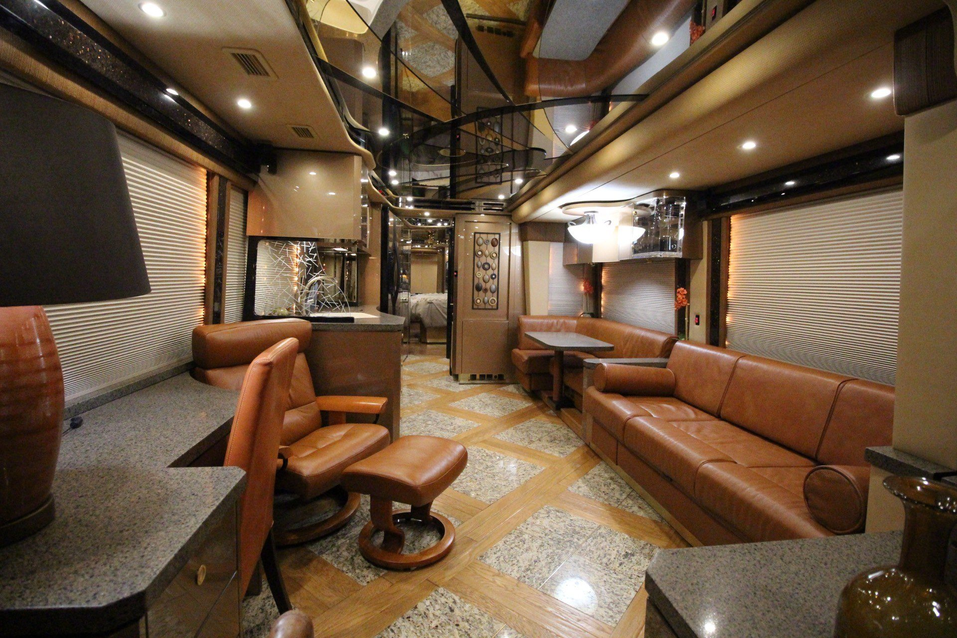 2007 Prevost Featherlite in Wolfforth, Texas - Photo 26