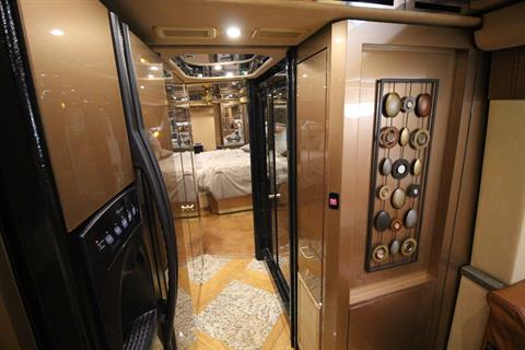 2007 Prevost Featherlite in Wolfforth, Texas - Photo 34