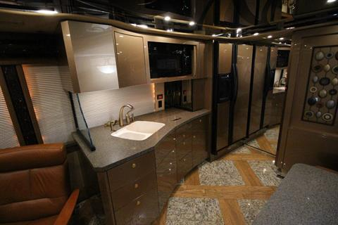 2007 Prevost Featherlite in Wolfforth, Texas - Photo 44