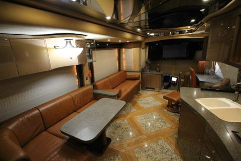2007 Prevost Featherlite in Wolfforth, Texas - Photo 45