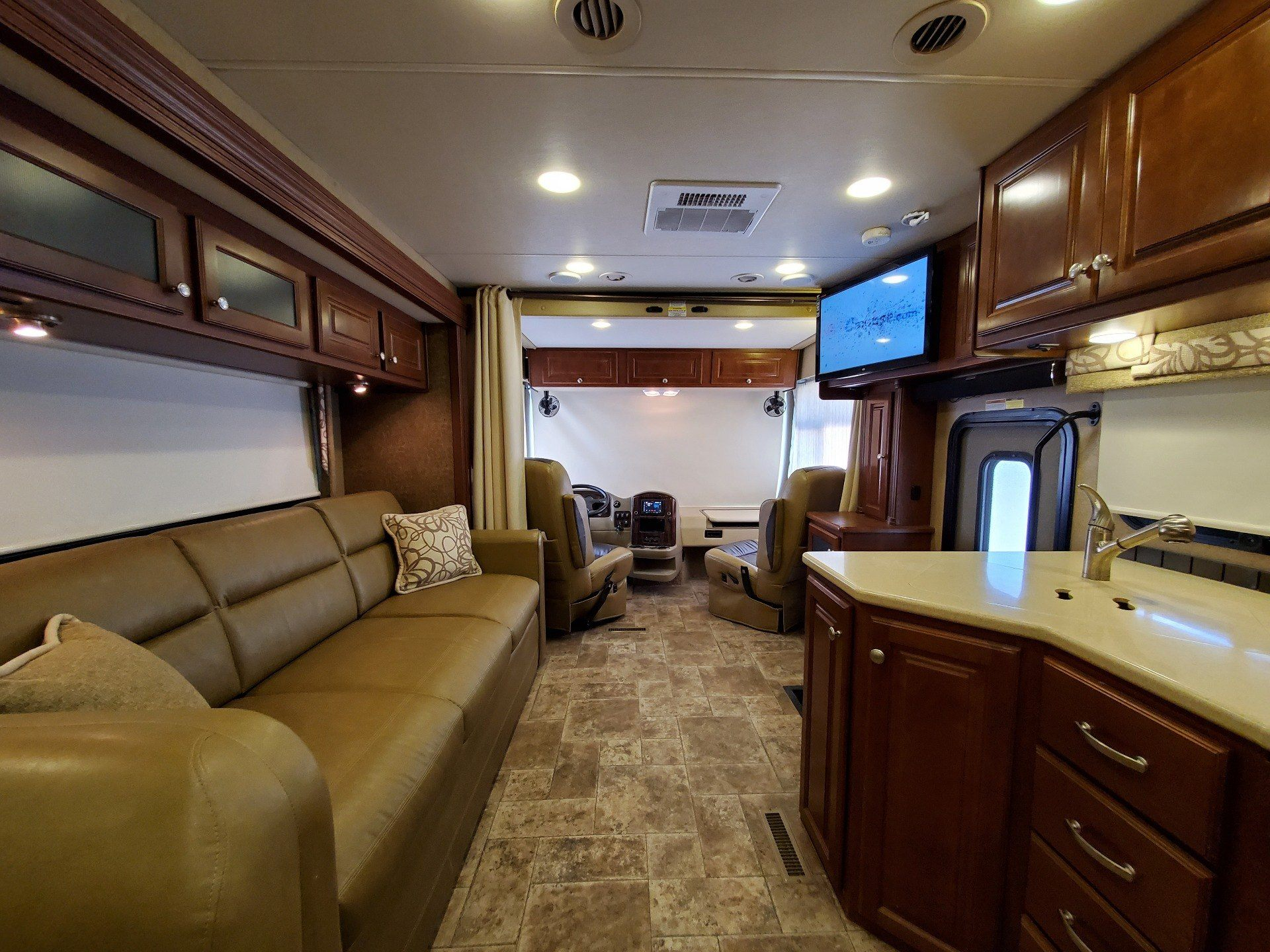2014 Thor Palazzo 36.1 in Wolfforth, Texas - Photo 3